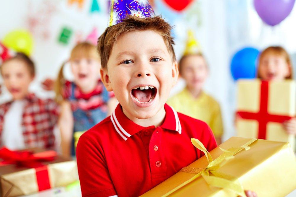 Como economizar no Dia das Crianças trocando milhas por presentes